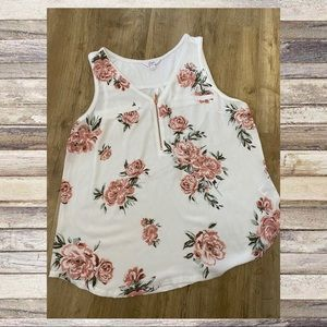 2/$25🌸 Candies Floral Sleeveless Top